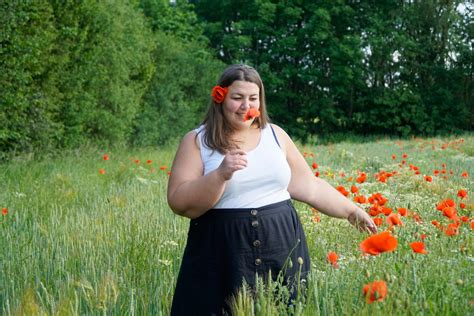 Style // Sommer im Mohnfeld | Plus Size by Nature