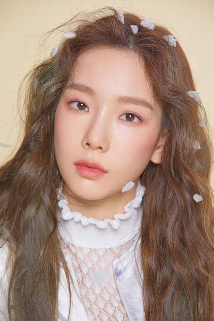1st batch of teaser clip and pictures for SNSD TaeYeon's